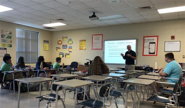 Dr. Johnsten from the University of South Alabama's Computer Science Department Speaks to the FMS Coding Club about USA's Computer Science Program